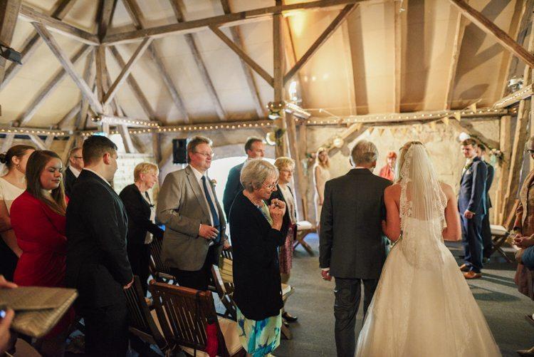 Hochzeit auf Gut Basthorst Trauung Scheune